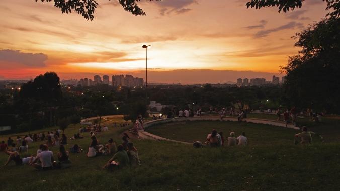 Praça pôr do sol Foto: Reprodução