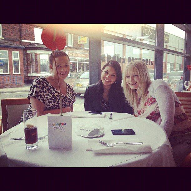 Almoço com minhas amigas britânicas, as conheci no meu primeiro dia na Starbucks <3