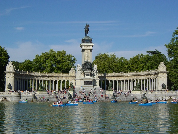 10 parques mais bonitos do mundo japa viajante for Parque del retiro madrid