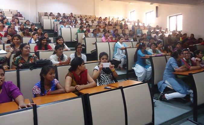 universidade-para-mulheres-india-japa-viajante