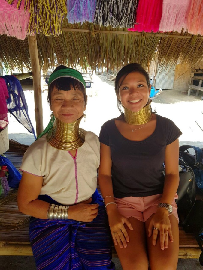 tribo mulheres girafas long neck karen hill